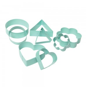 WILTSHIRE COOKIE CUTTERS  SET,  8 PIECES